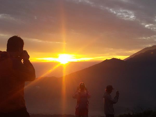 Soluppgång vid Mount Batur