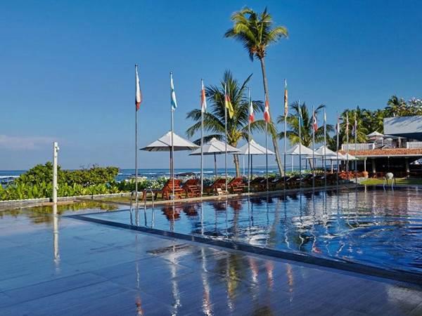 Coral Sands Beach Hotel i Hikkaduwa