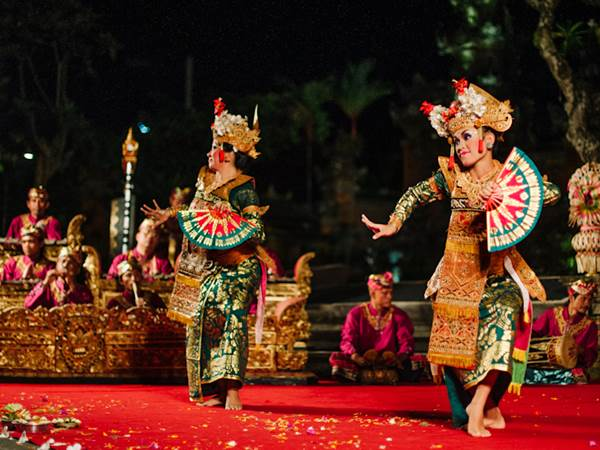 Traditionell dans i Ubud Palace