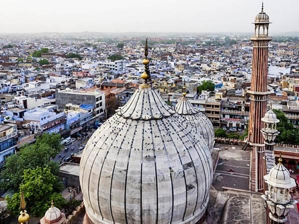 Utsikt från moskén Jama Masjid i Delhi