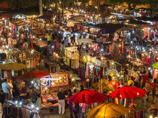 Kvällsmarknaden i Chiang Mai