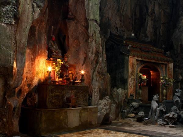 Marmorbergen - Buddhagrottan