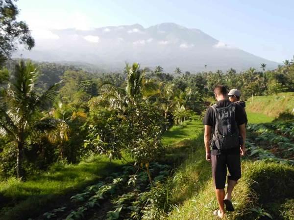 Trekking i Tetebatu